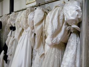 ウェンディング白ドレス