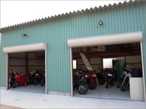 レンタルガレージ
