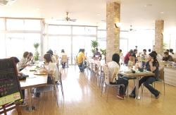 校内レストラン「ポアロ」